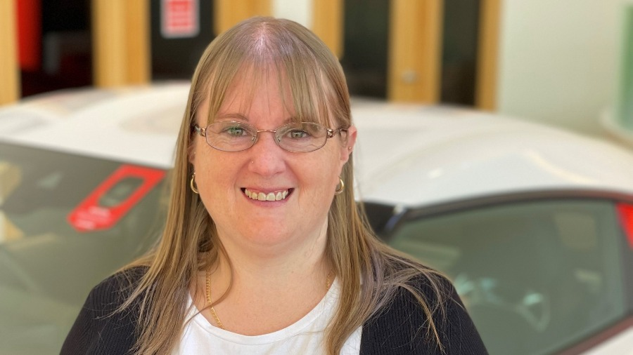 SLM Vauxhall Hastings Win The Vauxhall Customer Excellence Award